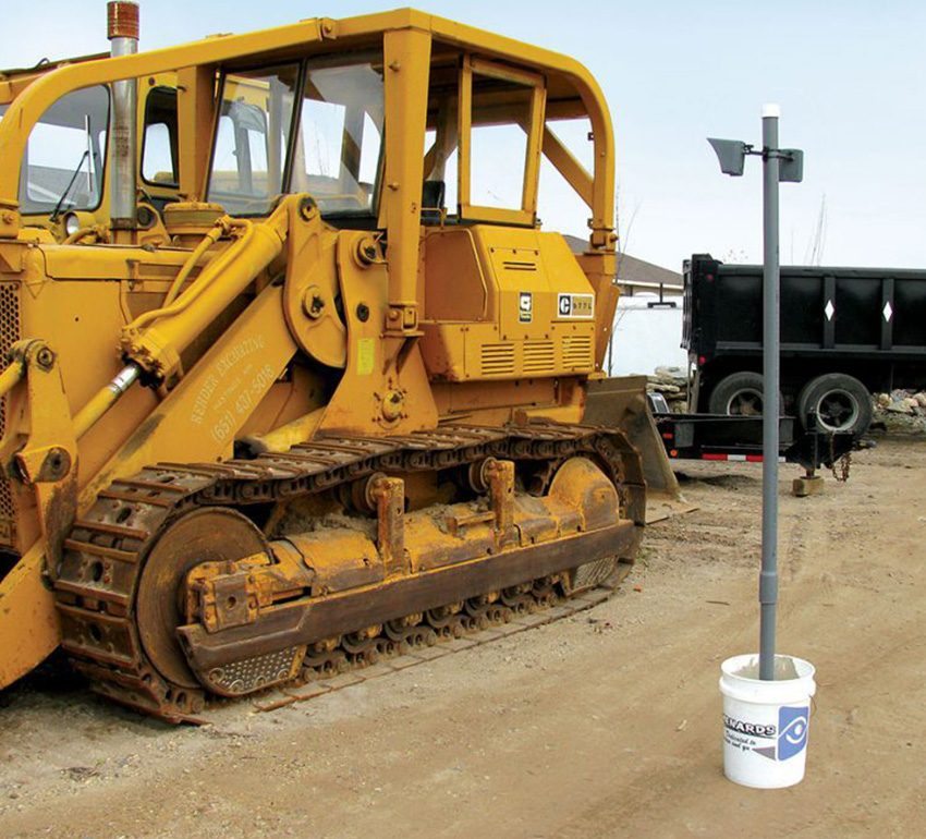Outdoor-MotionViewer-DCV-Installation-On-bucket-Yellow-construction-vehicule-1_LR-1024x768-1024x768